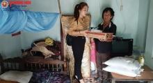 Thương hiệu và Pháp luật sẻ chia yêu thương với các gia đình khó khăn tại Hà Tĩnh