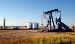 Giá dầu phục hồi hơn 1% do OPEC giảm mạnh sản lượng