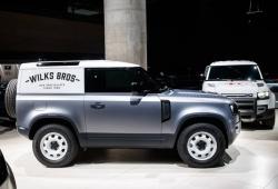 Land Rover Defender 2020 'cơ bắp' ra mắt, chốt giá hơn 50 nghìn USD