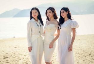 Mỹ Linh diện đầm trễ vai xinh đẹp giao lưu với sinh viên Nha Trang