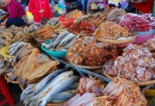 Phát hiện 3 chủ vựa dùng chất làm thuốc trừ sâu để bảo quản cá khô