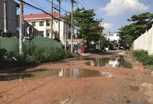Quận 12, TP. HCM: Dân kêu trời vì đường xuống cấp nghiêm trọng