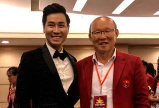 Nguyên Khang và dàn sao Việt hát cổ vũ Tuyển Việt Nam trước chung kết lượt về AFF Cup 2018