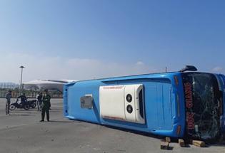 Quảng Ninh: Lật xe khách 7 người thương vong