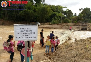 Thanh Hóa: Tìm thấy chiếc xe trở 2 cán bộ Biên phòng trong trận lũ lịch sử năm 2017