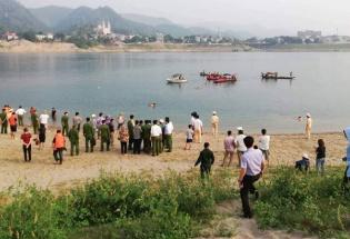 8 học sinh đuối nước tử vong khi tắm sông ở Hoà Bình