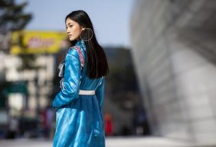 Thời trang đường phố ấn tượng ngày thứ 2 của top 3 The Face tại Seoul Fashion Week