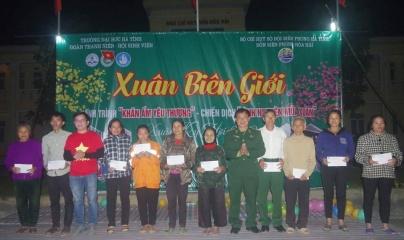 Hà Tĩnh: 'Xuân biên giới' ấm tình thương