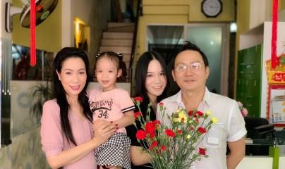 Trịnh Kim Chi được chồng tặng nhẫn kim cương 'khủng'