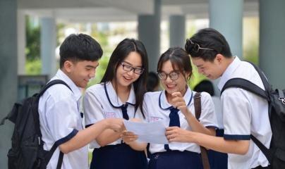 Điểm chuẩn vào các trường top đầu Hà Nội đều giảm mạnh