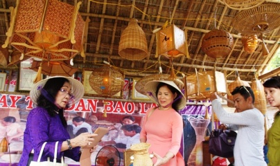 Có khoảng 300 gian hàng tiểu thủ công nghiệp quy tụ tại Thừa Thiên Huế