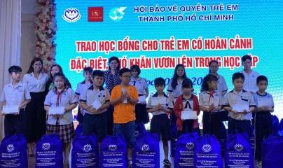 Quỹ vì cộng đồng IPPG trao học bổng cho trẻ em nghèo