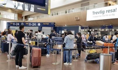 Đón hơn 300 người Việt trở về từ Thụy Điển và Phần Lan