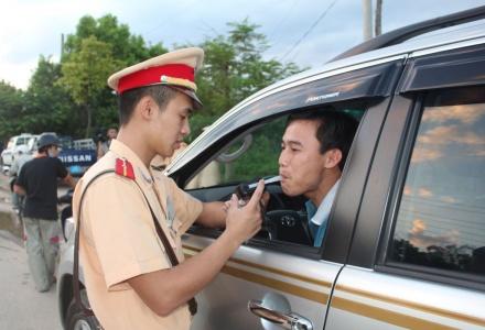 Đề xuất tăng mức xử phạt lái xe sử dụng rượu, bia lên 30 triệu đồng