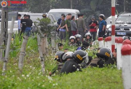 Hà Tĩnh: Đang vây ráp nhóm buôn ma túy cố thủ bằng 'hàng nóng'