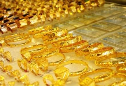 Giá vàng thế giới tăng cao nhất trong vòng 2 tháng