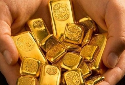 Giá vàng hôm nay 23/7: Vàng 'bất động' chờ bứt phá