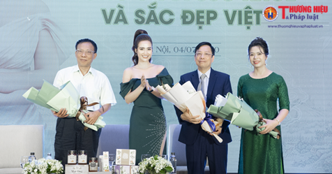 CEO Phan Minh Huyền ra mắt thương hiệu mới 'True Natural - Tinh hoa Đông y Việt'