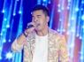Ưng Hoàng Phúc hát hết mình với MV Top Hits
