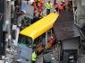 Xe buýt không người lái lao lên vỉa hè, 14 người thương vong