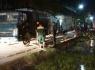 Thanh Hóa: Dầu tràn dầu ra mương nước bốc cháy khiến người dân lo lắng