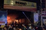 TPHCM: Kho xưởng chứa vải rộng 2.000m2 bốc cháy dữ dội