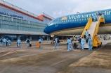 Sân bay Vân Đồn đón hơn 300 khách có hộ chiếu vắc xin