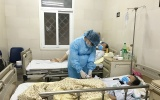Một ngày của nữ điều dưỡng mang thai tháng cuối ở khu cách ly chống dịch