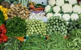 Giá thực phẩm hôm nay 19/9 duy trì ổn định, thanh long tăng giá
