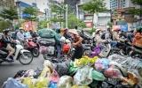 Hà Nội yêu cầu xử lý trách nhiệm nhà thầu để ùn ứ rác thải