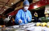 Lấy mẫu xét nghiệm COVID-19 với thực phẩm nhập khẩu từ vùng dịch