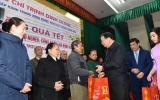 Phó Thủ tướng Trịnh Đình Dũng thăm và tặng quà tết tại tỉnh Phú Thọ