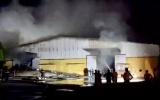 Thái Bình: Cháy lớn tại kho chứa bông trong khu công nghiệp