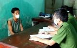 """Quảng Bình: Bắt tạm giam đối tượng """"thông chốt"""" kiểm dịch, chống người thi hành công vụ"""