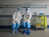 Hai nhân viên y tế đầu tiên của Việt Nam nhiễm COVID-19