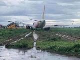 Máy bay Vietjet hạ cánh lệch đường băng khi hạ xuống sân bay Tân Sơn Nhất