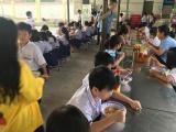 TP.HCM: Hàng chục học sinh nhập viện, nghi do ngộ độc thực phẩm