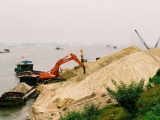 Làm rõ việc 'núp bóng' nạo vét để khai thác cát trên sông Hồng
