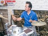Chế Linh đánh trống, chỉ huy 2 con trai luyện tập cho đêm nhạc 'Vàng son một thưở'