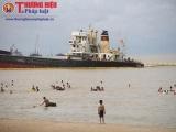 Nhiều tàu lớn đang mắc cạn ở Nghệ An sau cơn bão số 2