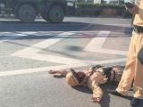 Hà Nội: CSGT bị nam thanh niên đâm xe gẫy tay