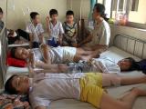 Yên Bái: 106 học sinh có dấu hiệu ngộ độc thực phẩm