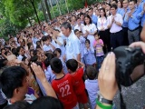 Gần nghìn người xếp hàng chia tay Viện trưởng nghỉ hưu