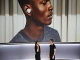 Google sản xuất tai nghe tự phiên dịch 40 thứ tiếng