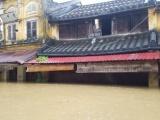 Hội An: Nước lũ ngập gần nóc nhà, dân bắt đầu sơ tán