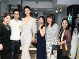 Hoa hậu Hoàn Vũ Riyo Mori bất ngờ trước vẻ đẹp những thiết kế của Hoàng Hải