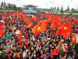 Người thân các tuyển thủ ra sân bay đón những 'người hùng' U23 Việt Nam