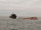 Cứu sống 8 ngư dân trong vụ chìm tàu ở vùng biển Quảng Ninh