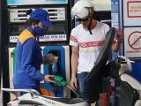 Bộ Công Thương kiến nghị lùi ngày tăng thuế môi trường với xăng dầu