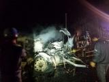 Gia Lai: Xe chở 30 tấn mủ cao su bốc cháy trong đêm, quốc lộ 14 tắc nhiều giờ